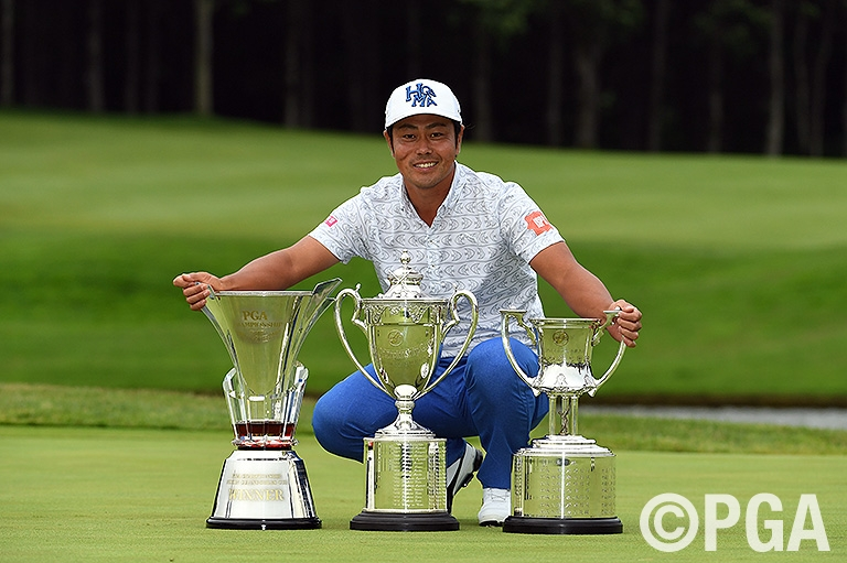 自身2度目となる2週連続優勝で日本プロ初制覇を果たした谷原秀人