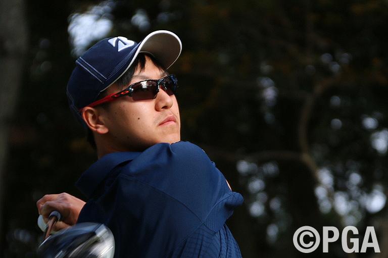 <3R>パー3ホールでパーセーブを守り合格圏内を狙う田中雄基