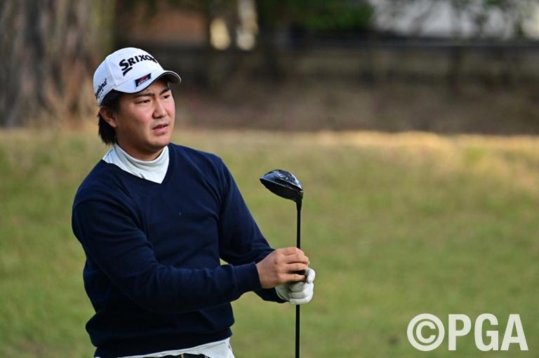 アジアで活躍中の岡田絃希が66をマークし首位浮上