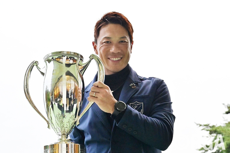 〔Report/FR〕福島の熱い想いを胸に、念願の優勝杯を手にした角田